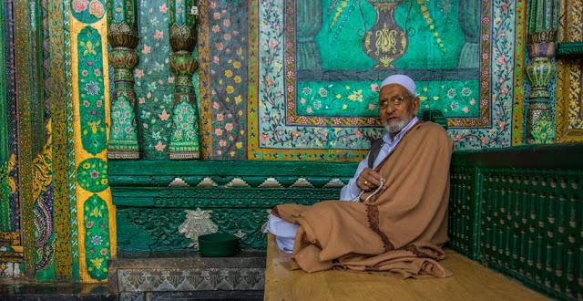Shah-e-Hamdan-1-of-3