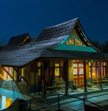 Himachali-hut-in-moon-light-Palampur-Himachal-KaynatKazi-©-Photography-2016_1-960x636