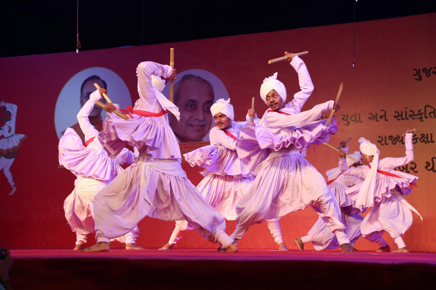 cultural-festivals/navratri-festival-Gujrat-6